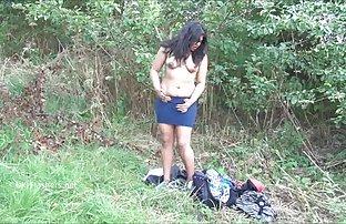 Esclave nue dans amateur et sexe fr le masque lèche les chaussures de fétichisme des pieds