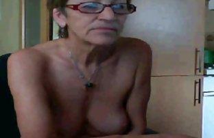 Nastya mince montre des voir sexe amateur petits seins appétissants