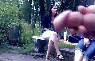 Adorable Brunette Amanda montre sexe amateur vidéo de chauve Squeak