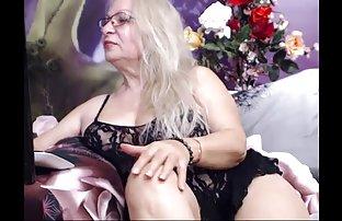 Un massage amateur sexe film lesbienne chic d'une nana aux cheveux foncés