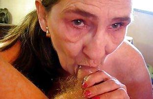 Skinny salope sellé attaché homme avec les sexe sexe vidéo yeux bandés