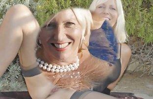 Deux video de sexse filles salope baise avec les gars dans le jardin botanique-jungle