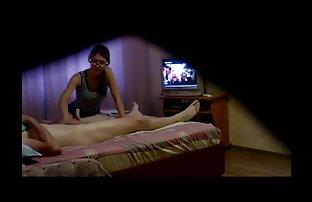 La masseuse a sex amatoer apporté à l'orgasme un homme sur un massage
