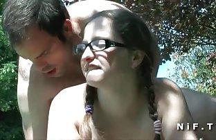 Chienne dur flagellé la fille video sexe amatuer avec une règle