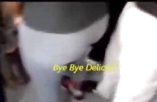 Fille avec de beaux seins saute sur un video hard sexe pénis