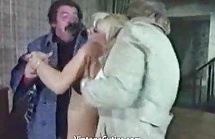 Délicieuse salope en bas passionnément amateur & sexe baise et suce la queue